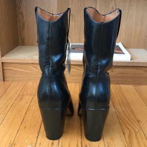 Mango Shoes - Mango western-inspired boots 🤠